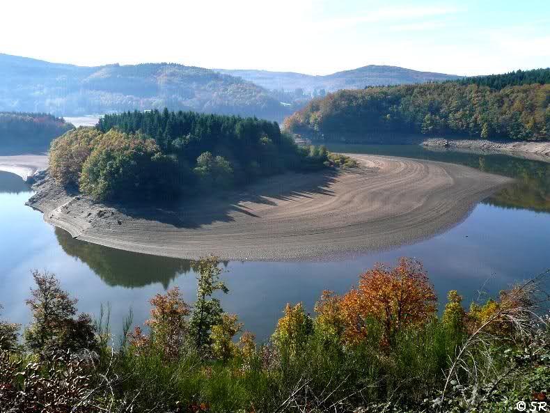 Decouverte Du Lac De La Raviege Dans Le Parc Haut Languedoc Lac Parc Naturel Pays Cathare