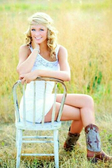 I Love The Old Chair In The Field  Girl Senior Pictures, Senior Girl Photography, Unique Senior Pictures-5935