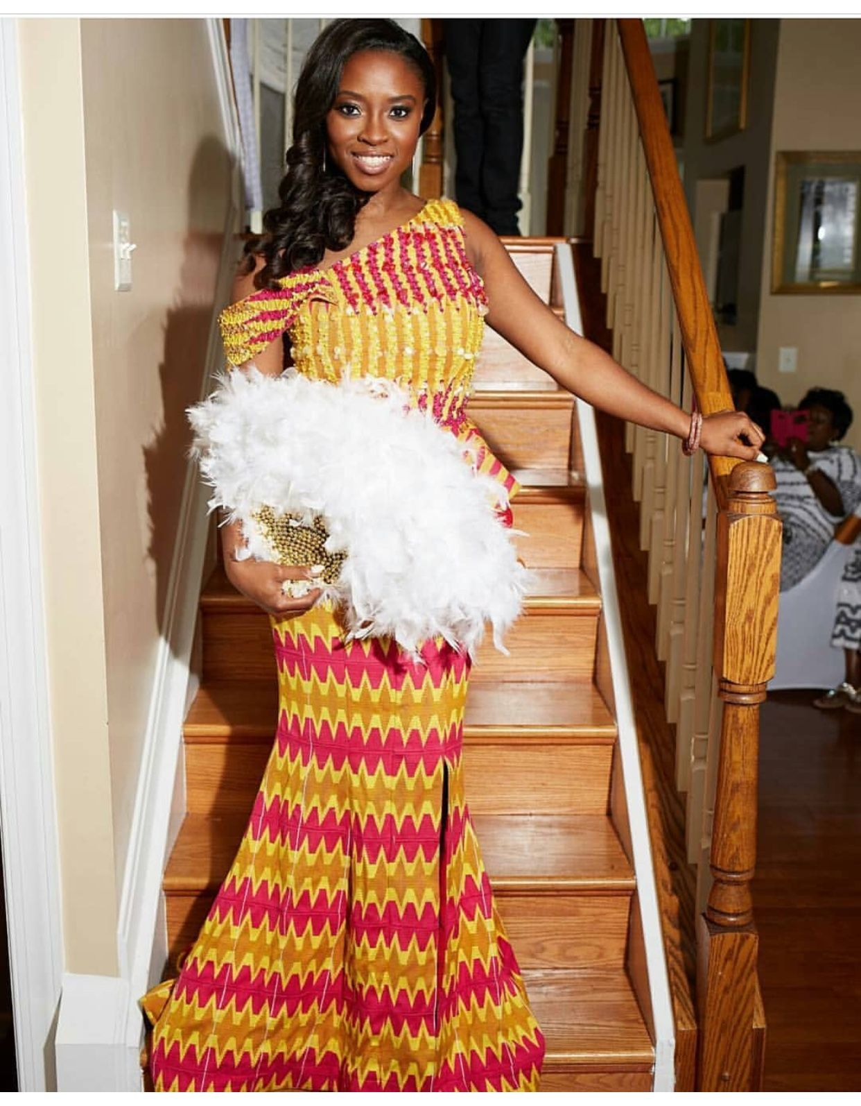 Slay queen in her kente in her traditional marriage day kente