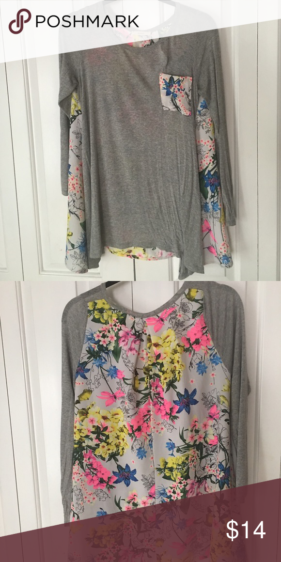 Gray/ Floral Boutique Top Bring on the cooler weather with this Sz Small Boutique Top. Flowy fit with a floral design on front pocket and back.  Perfect transition top for cooler but not cold weather!! Blu Pepper Tops