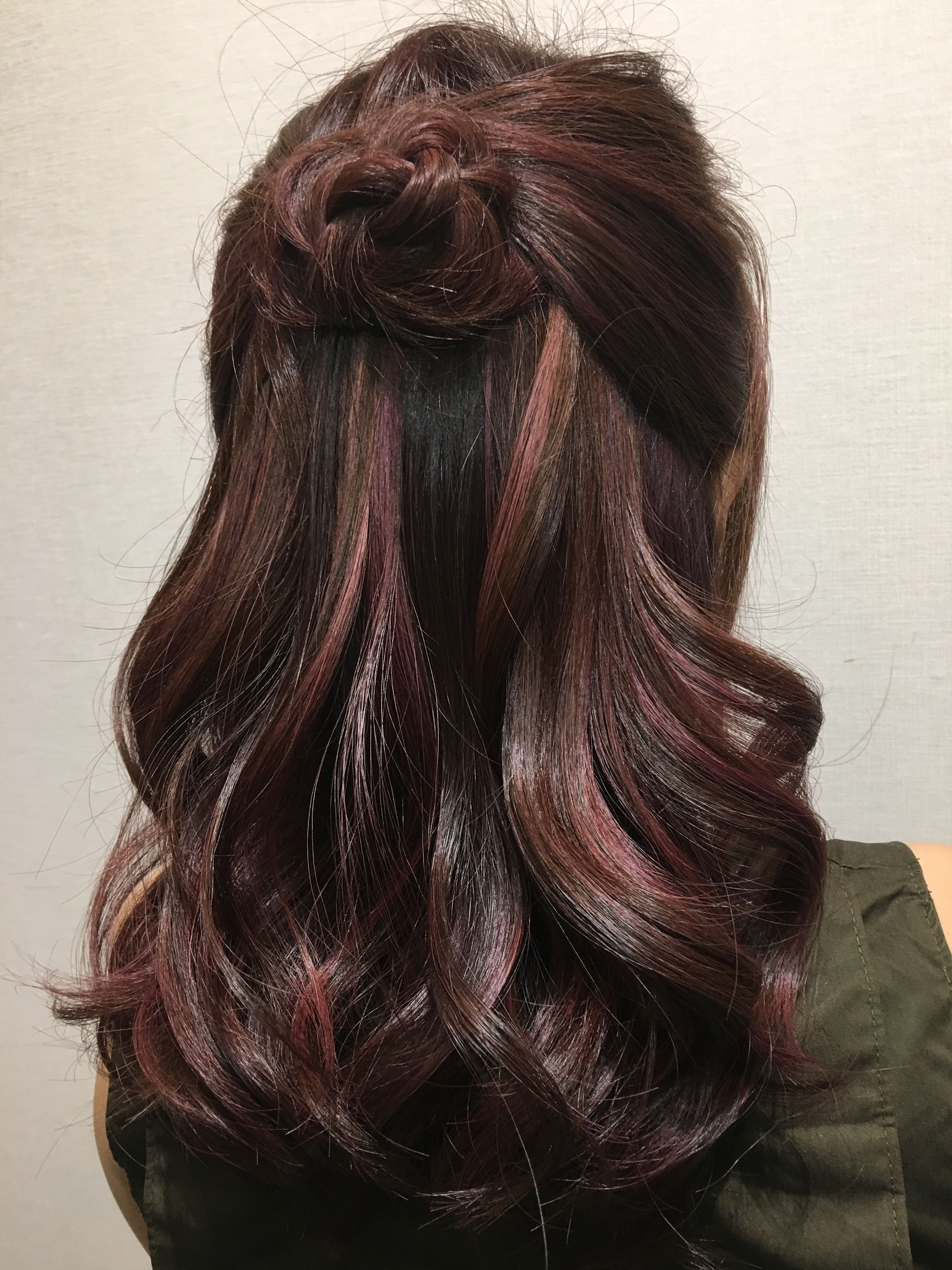 Rose Gold Highlight On Dark Brown Base Hair Color Created By Victor Liu Brunette Hair Color Dark Brown Hair Color Hair Highlights