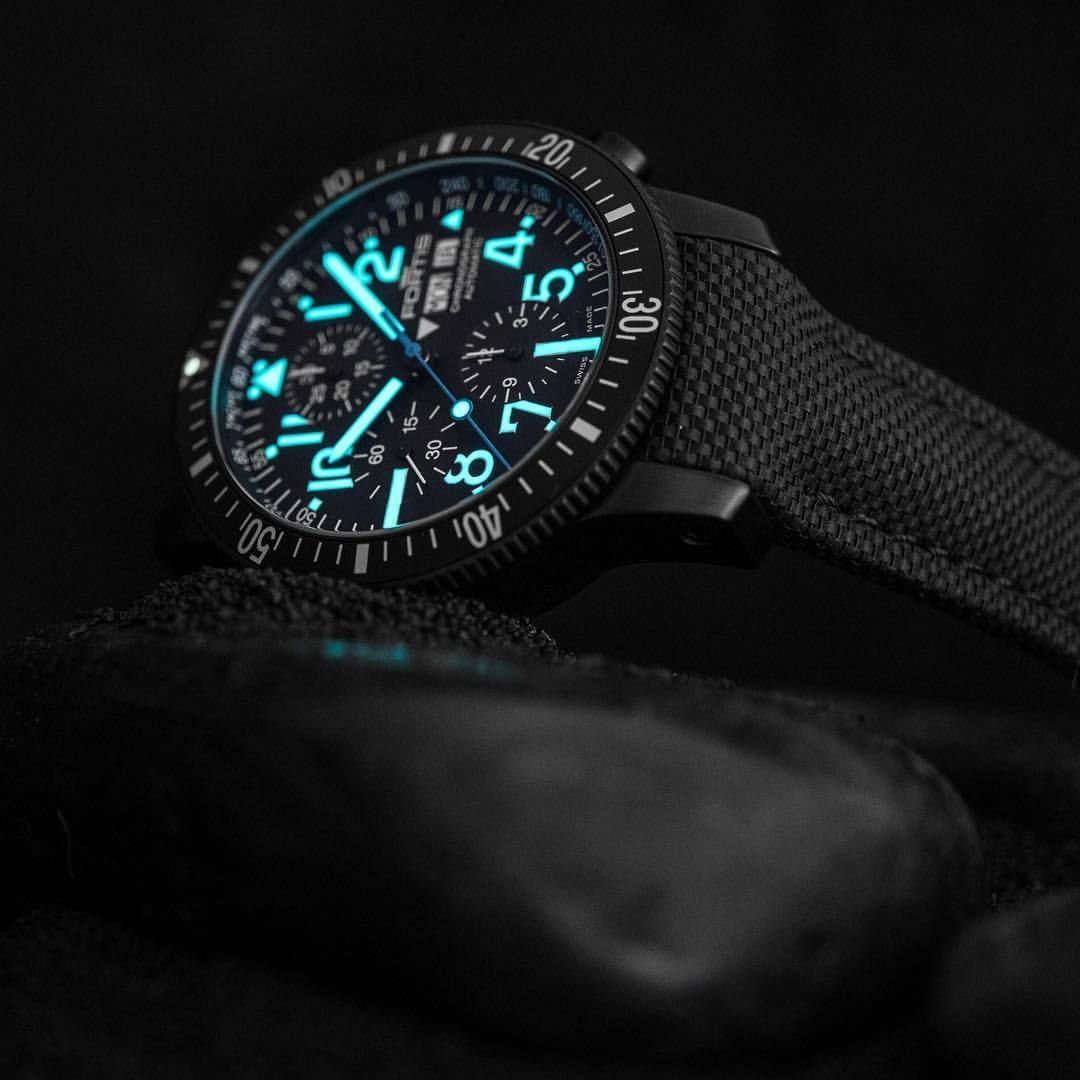 Spot on! With the brand new Diver Black Chronograph. We love it! Do you? #fortisofficial #fortis_official_watches #diver #black #newrelease2017 #baselword2017 #fortis #fortiswatches