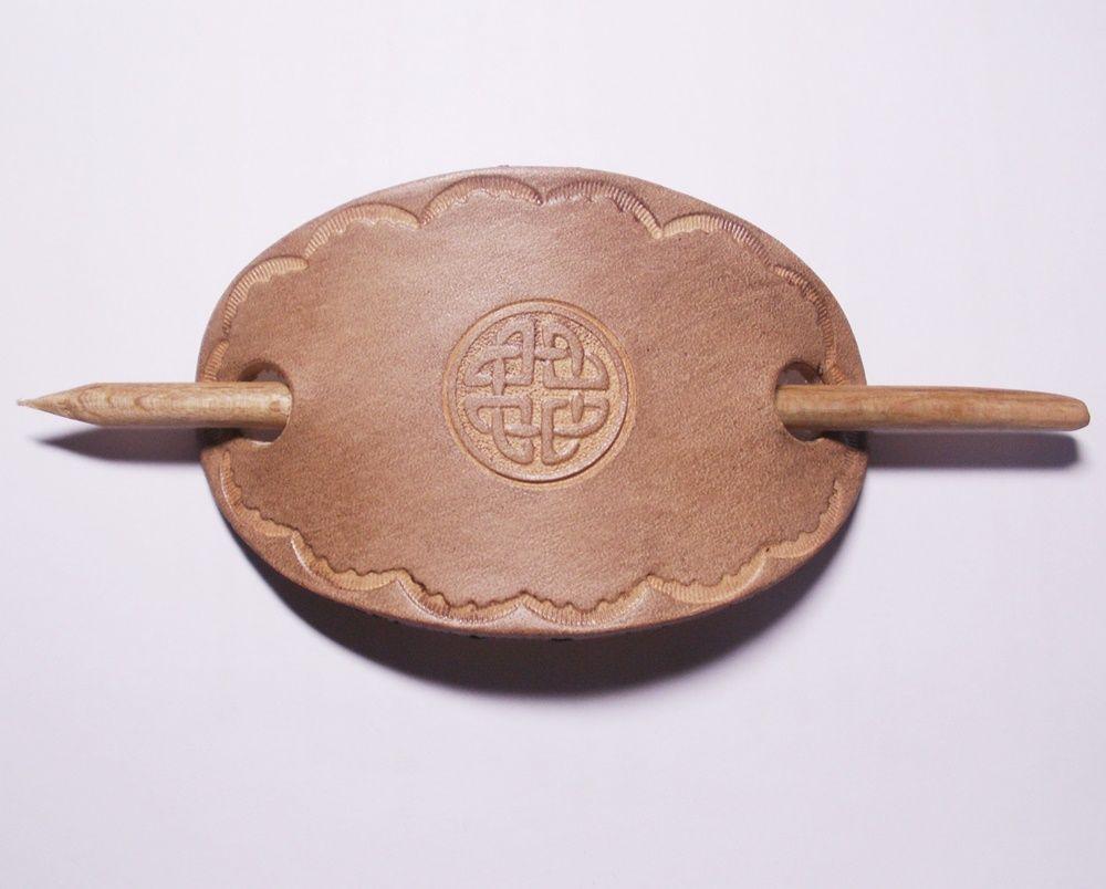 Keltische Lederhaarspange handgemacht Haarschmuck keltischer Knoten Leder