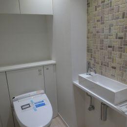 『50代からのリノベーション』 東戸塚邸の部屋 バリアフリーなトイレ