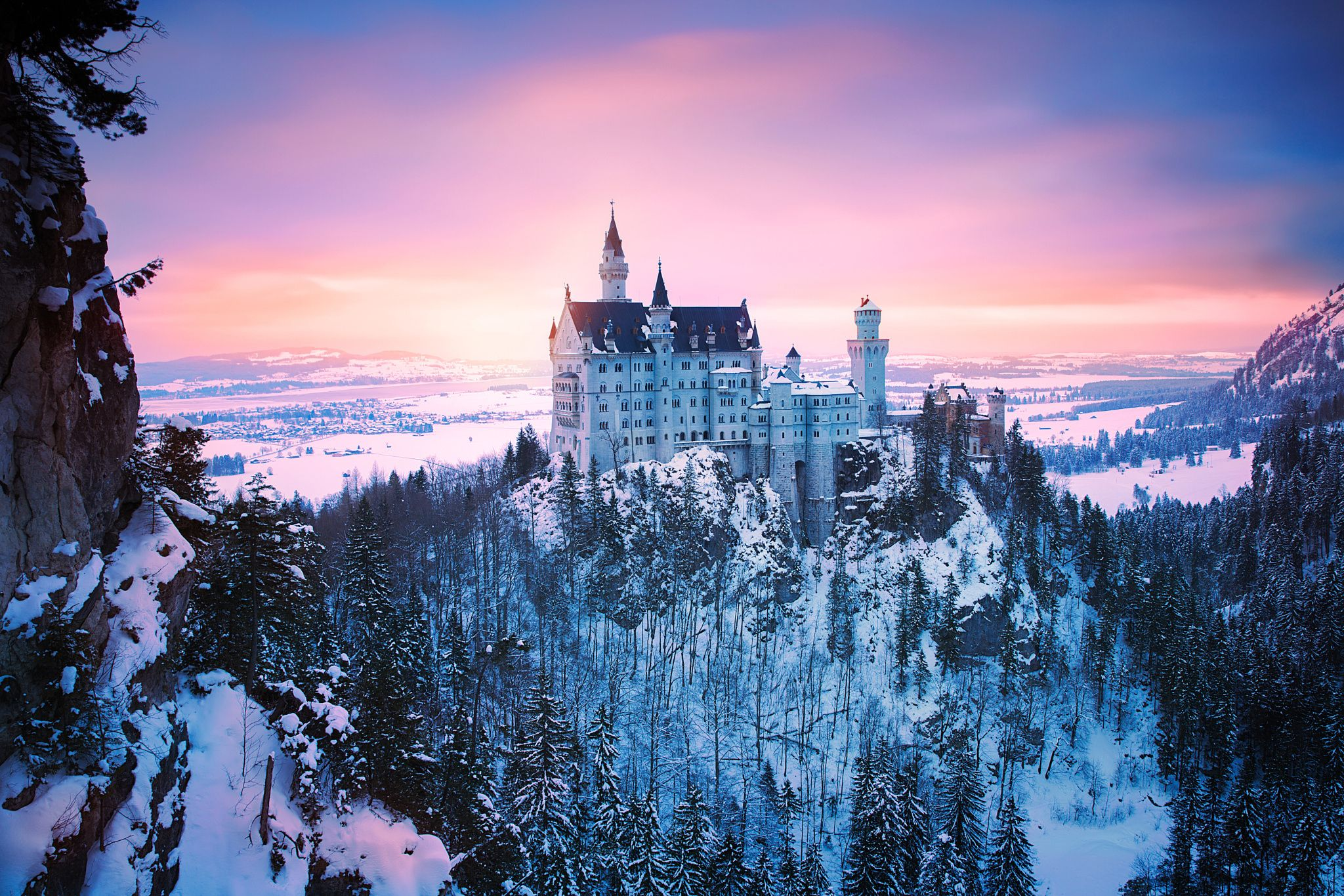 The Neuschwanstein Castle With Its White Limestone Facade And Deep Blue Turrets Is Rumored To Be The Real Life In Neuschwanstein Castle Castle Bavaria Castle