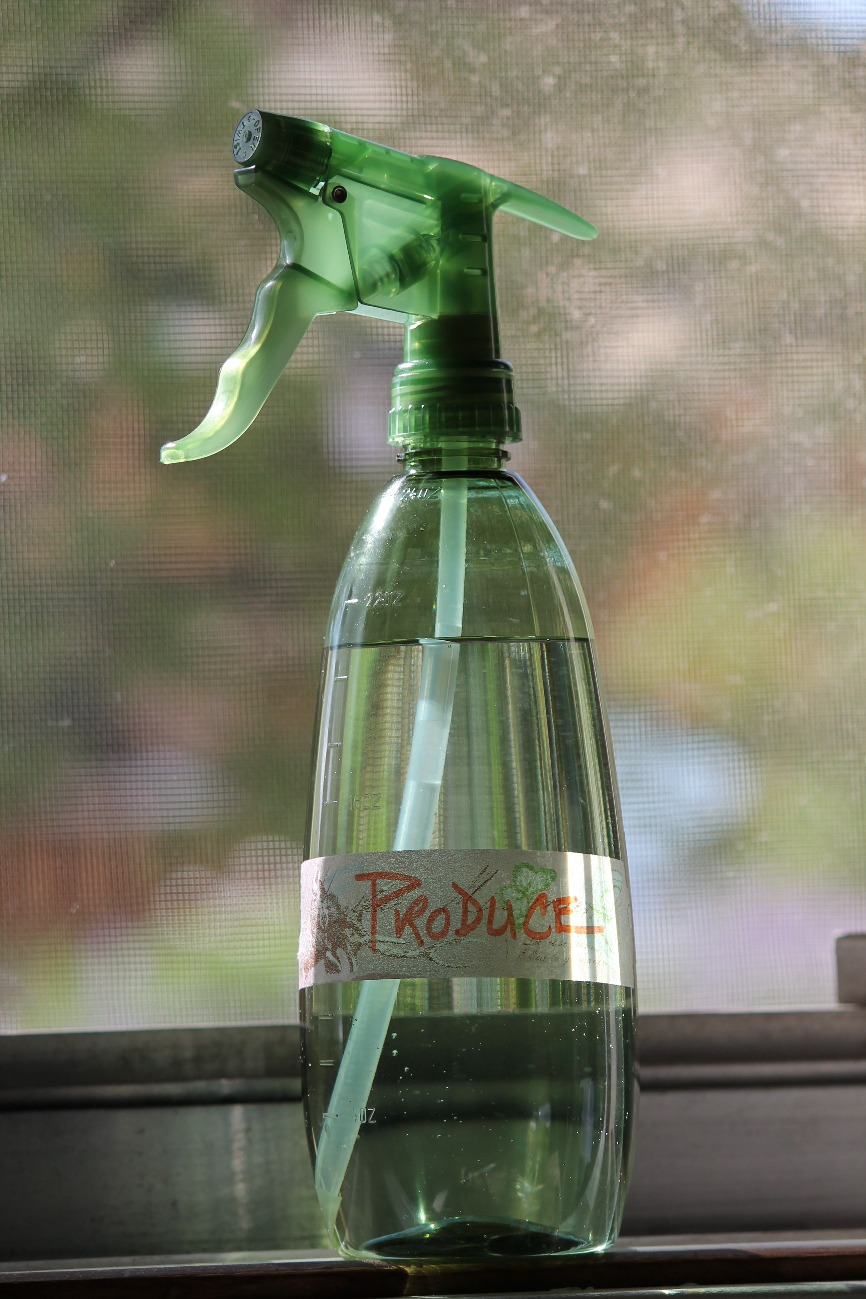 DIY Produce Rinse - A simple solution that eliminates 98% of bacteria on produce.  Used by Cooks Illustrated Kitchens.