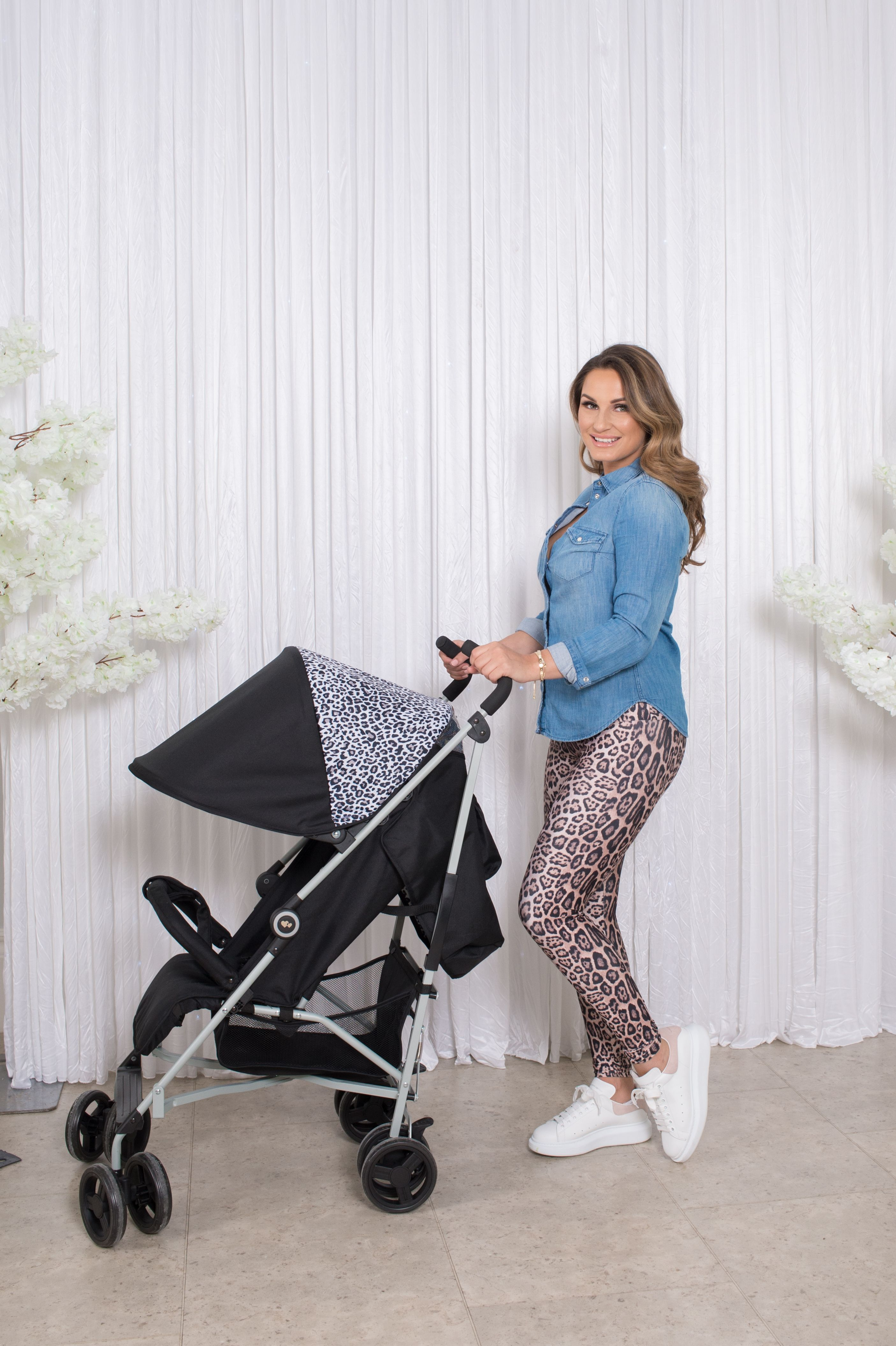 340fbae43970 Meet the Dreamiie by Samantha Faiers Black Leopard Stroller - great value,  sporty, lightweight buggies that offer superb manoeuvrability and easy  handling.
