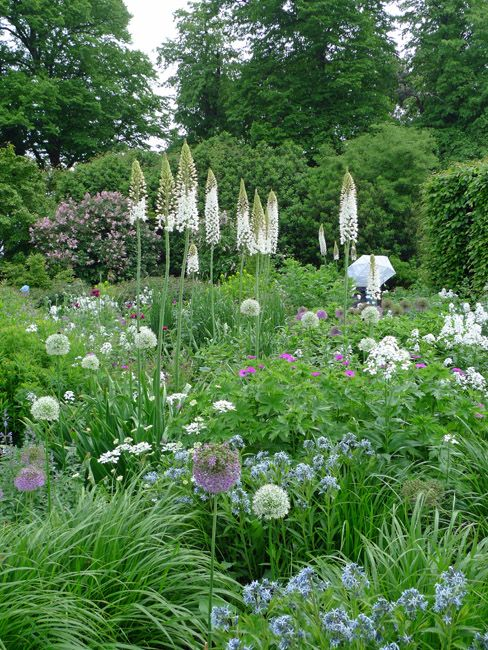 Hertfordshire There S A New Entry To My Notional And Ever Changing List Of Top Ten Gardens That I Ve Ever Vi Smith Gardens French Country Garden Cottage Garden