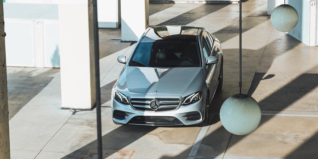 Experience A New Level Of Automotive Intelligence The 2018 Eclass Sedan Mercedes Benz Benz Mercedes