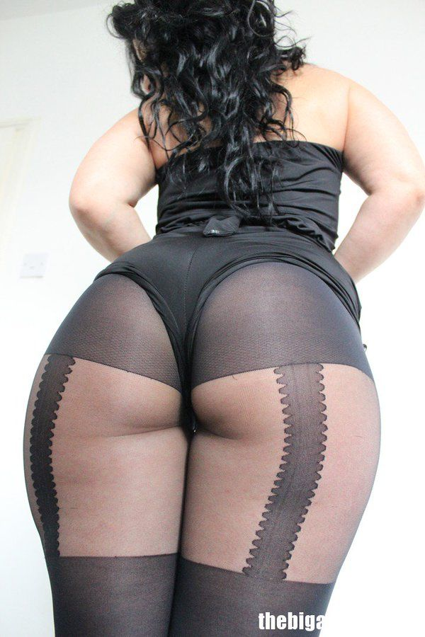 Busty ebony sucking huge white dick