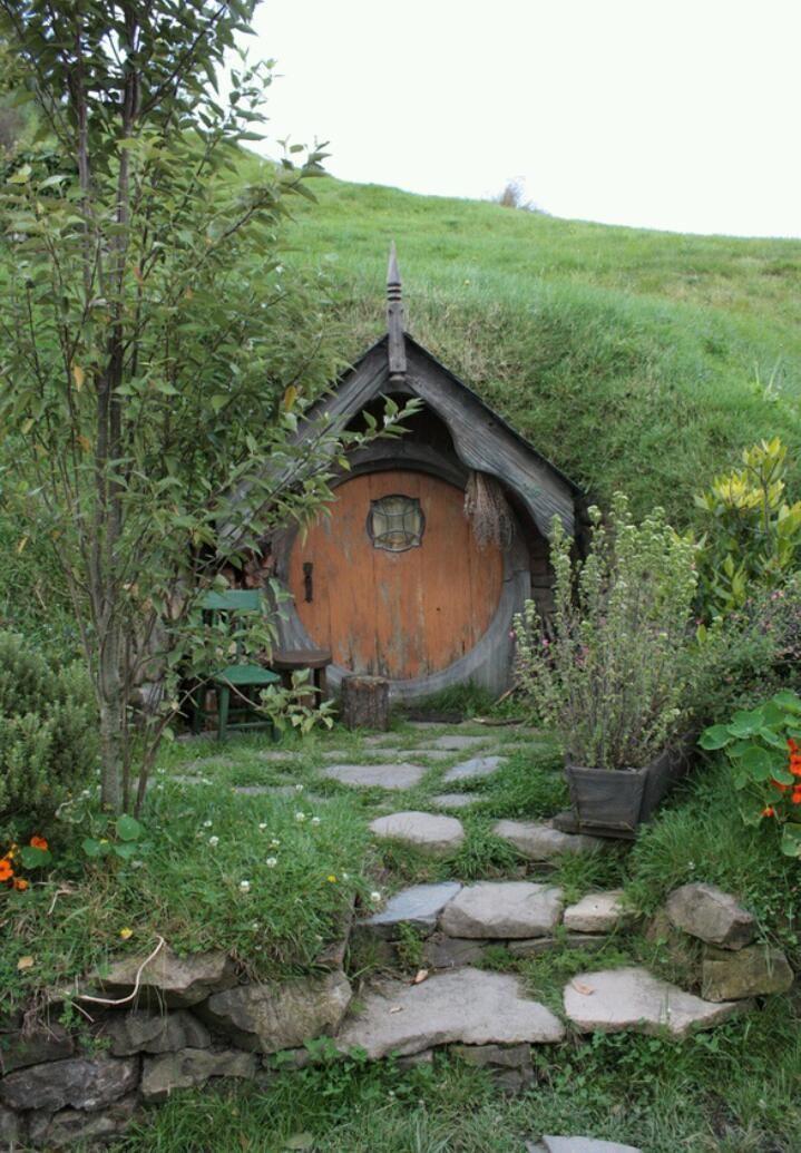 Green Roof Hobbit House Hobbit House Hobbit Hole Underground Homes