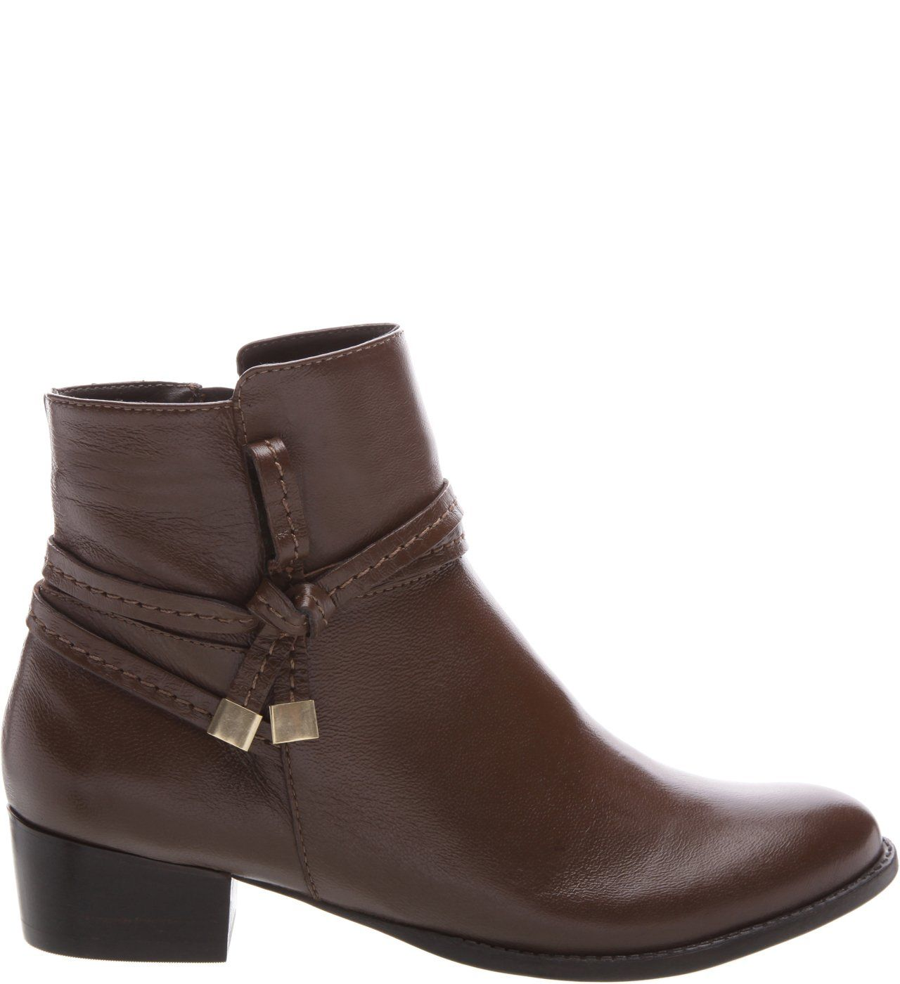 4aa2d2e9f Bota Couro Baixa Fenda Preta   Arezzo   arezzo em 2019   Boots, Shoes e  Ankle