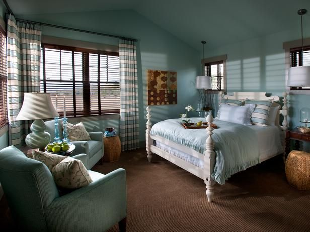 Guest room from HGTV's 2012 Dream Home.  I love the colors!
