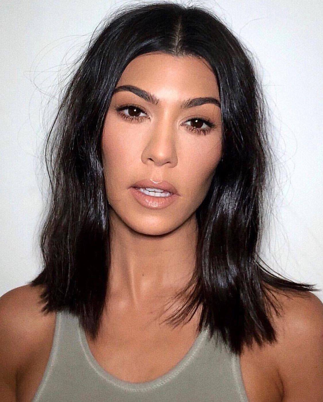 Kourtney Kardashian Short Haircut With Soft Waves Thin Hair Haircuts Kourtney Kardashian Hair Celebrity Hair Stylist