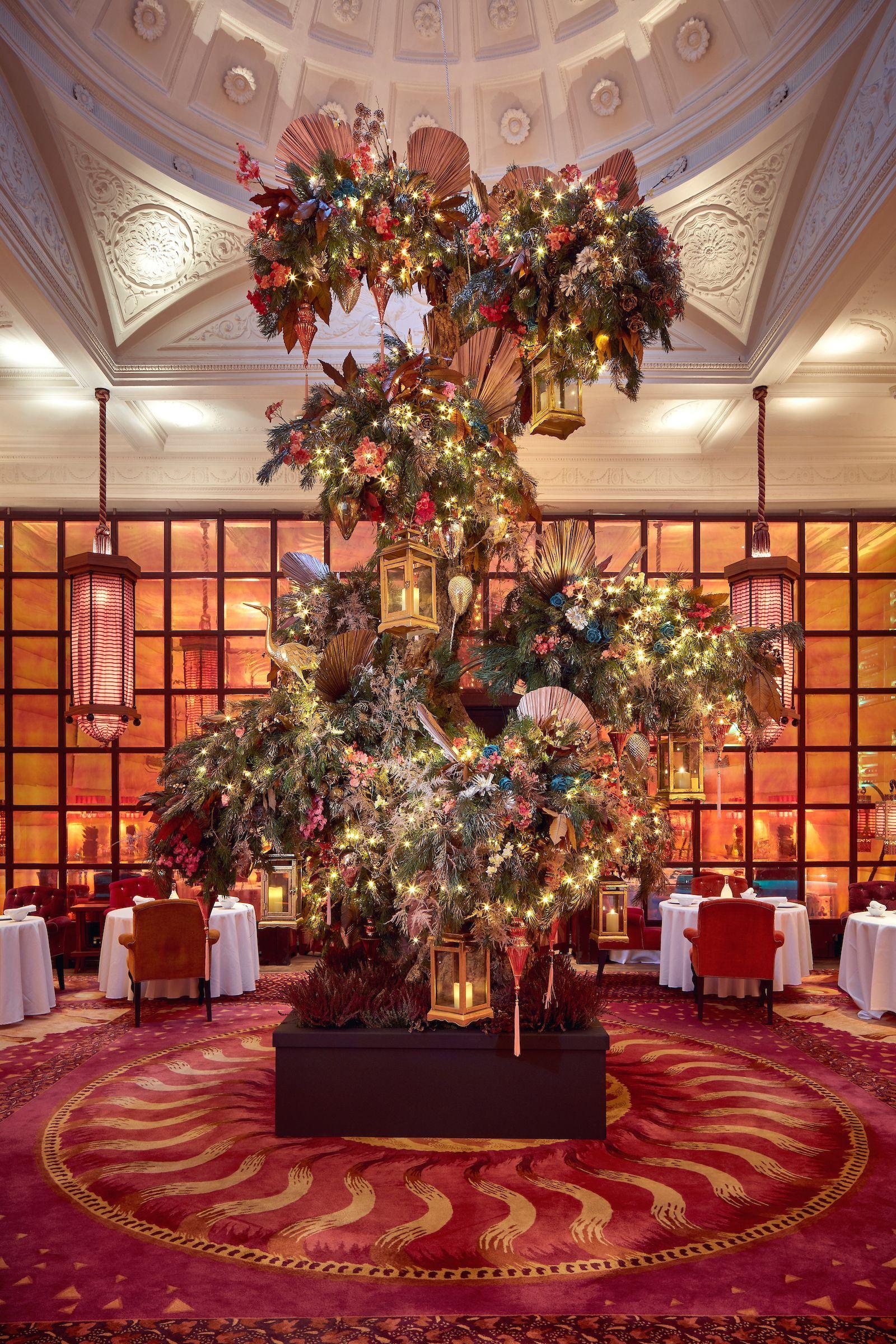 Decorazioni Natalizie Londra.Nelle Decorazioni Natalizie Di Sketch C E Tutto Lo Spirito Del Natale A Londra Decorazioni Idee Per L Albero Di Natale Decorazioni Natalizie