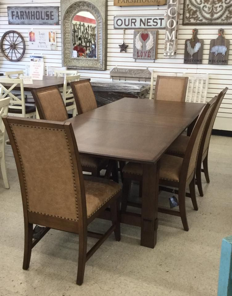 You'll fall in love with this dining room set at Bargain ...