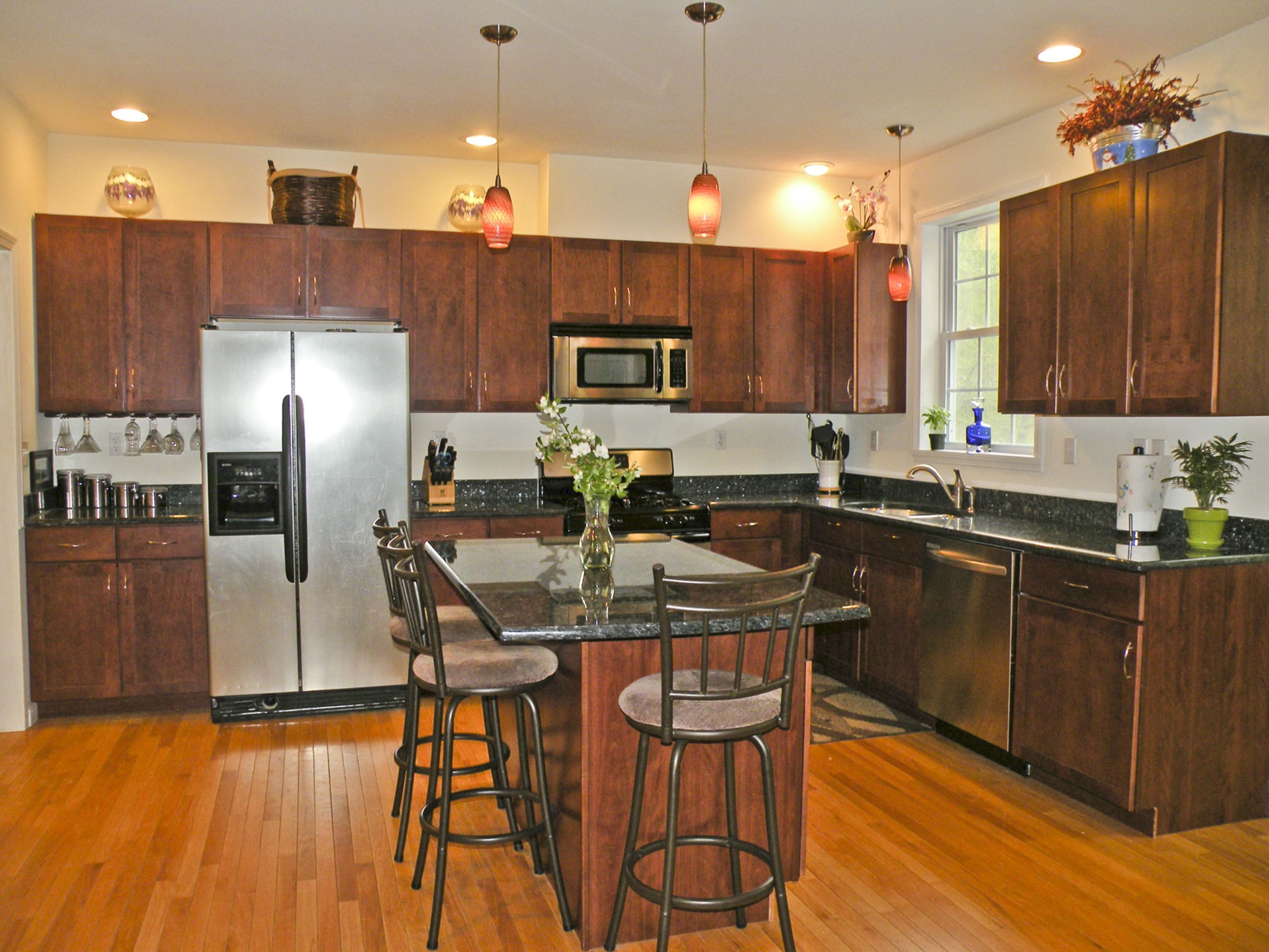 Chef S Kitchen With Custom Cabinets A Little More Like Home Now To Me That S A Kitchen Kitchen Design Updated Kitchen Custom Cabinets