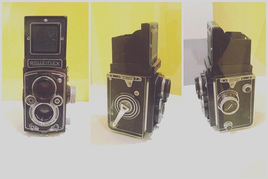 #Rolleiflex von #VivianMaier, gesehen im Museo MAN, Nuoro. #VivianMaier benutzte diese deutsche #Kamera ab 1952. Die Kamera war wegen ihrer Genauigkeit, Zuverlässigkeit und einfachen Handhabung vor allem bei anspruchsvollen Amateur-Fotografen beliebt. Die Rolleiflex sollte ihre #Lieblingskamera werden - sie nutze sie 25 Jahre lang. Den ganzen Artikel findet ihr auf www.derblogderdinge.com