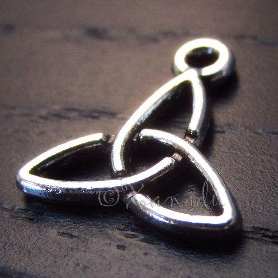 Celtic trinity knot triquetra charm pendants 102050 wholesale celtic trinity knot triquetra charm pendants 102050 wholesale antique silver aloadofball Images