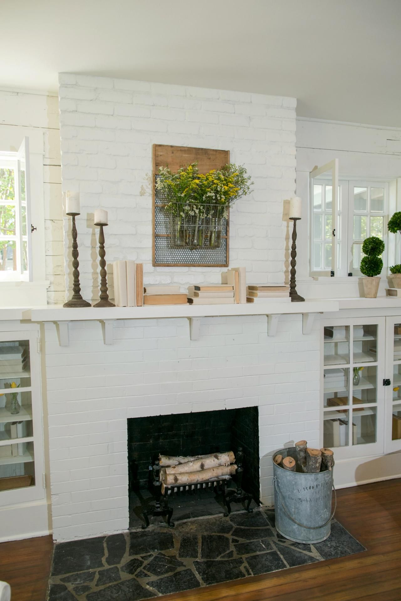 Joanna Gaines Farmhouse Mantel Chip And Jo Prove It Yes You Can Downsize Without Losing