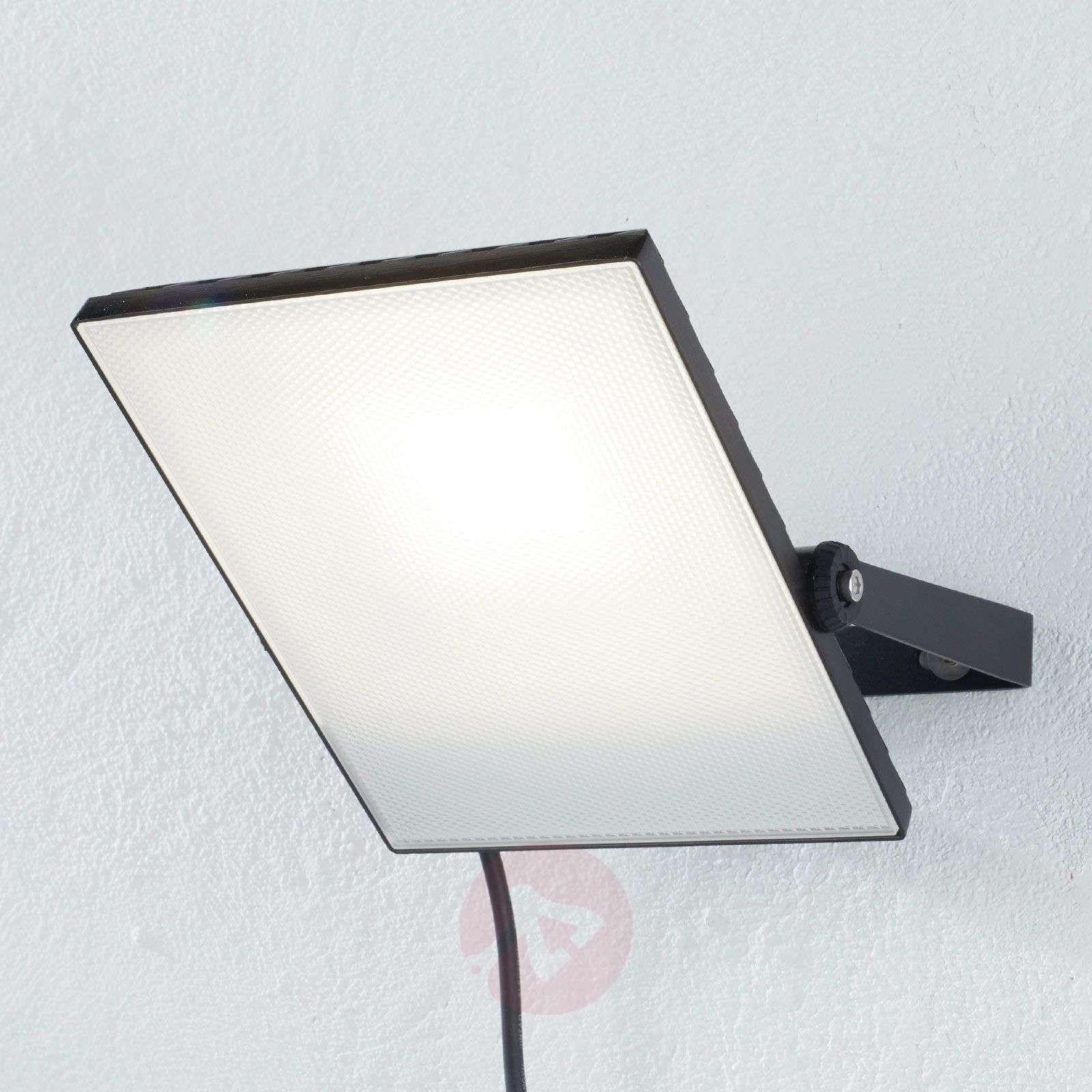 Reflektory Systemy Szynowe Lampy Wiszace Do Salonu Lampa Led Z Czujnikiem Ruchu Zewnetrzne Podlaczenie Reflektory Aquaform Reflektor Led Light Duracell