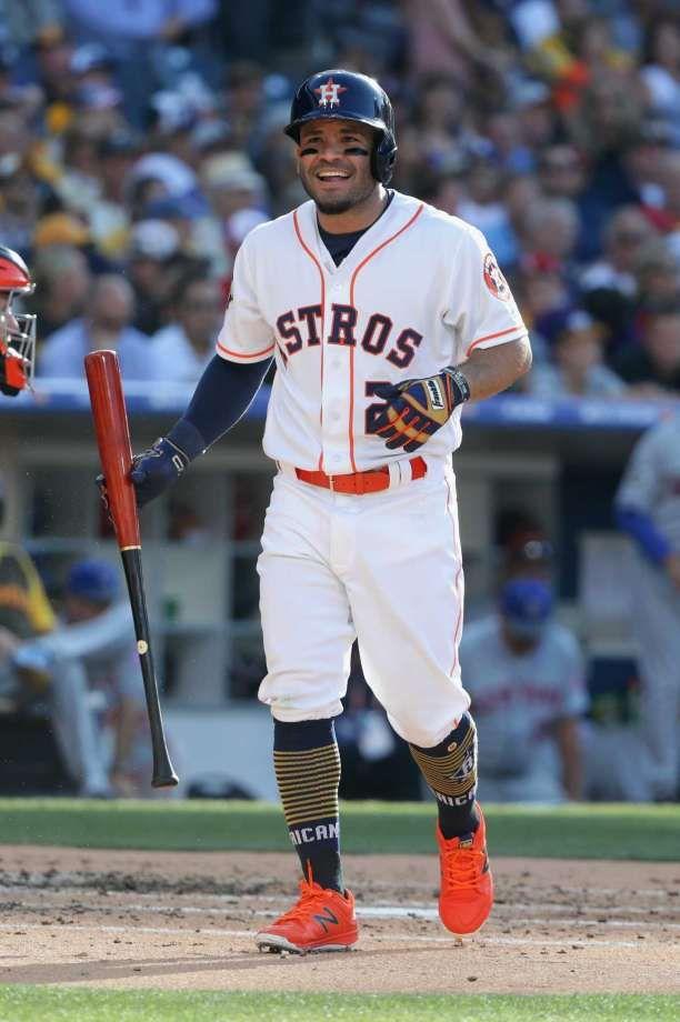 Jose Altuve Soaks Up David Ortiz S Final All Star Game And American League Victory Jose Altuve American Baseball League Astros Baseball