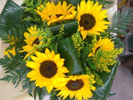 Mandare Fiori A Distanza.Bouquet Di Girasoli Consegna Fiori A Domicilio A Ladispoli E