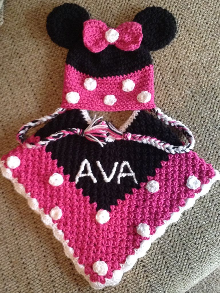 Minnie Mouse poncho & hat I made for my granddaughter | Mickey and ...