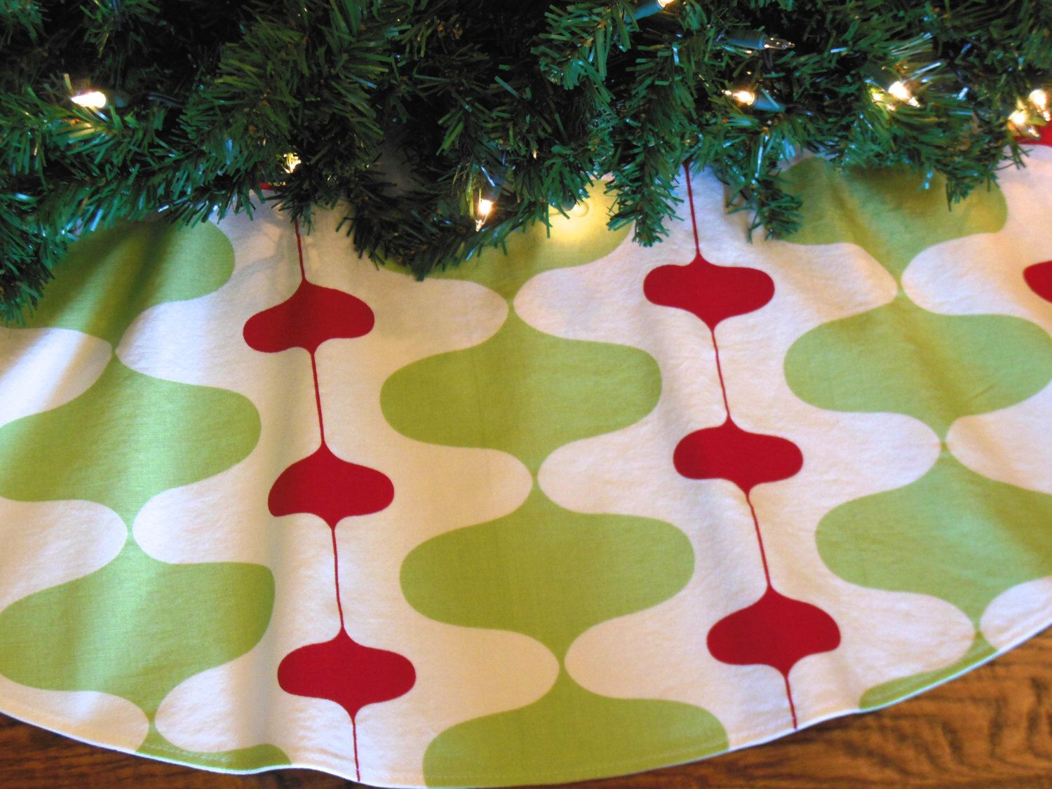 Mid Century Modern Christmas Tree Skirt Retro Mod Tree Skirt Contemporary Tree Skirt Red And Green Christmas Decor 48 Xmas Tree Skirt By