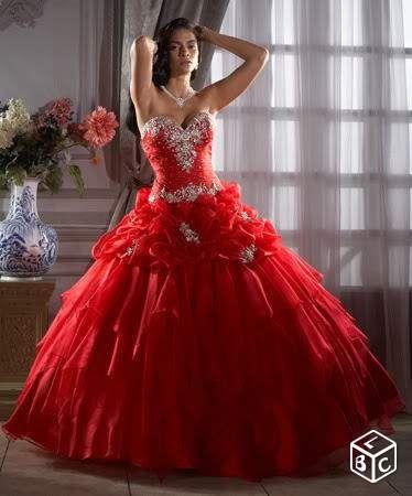 Robe de mariée/soirée rouge Vêtements Dordogne - leboncoin.fr