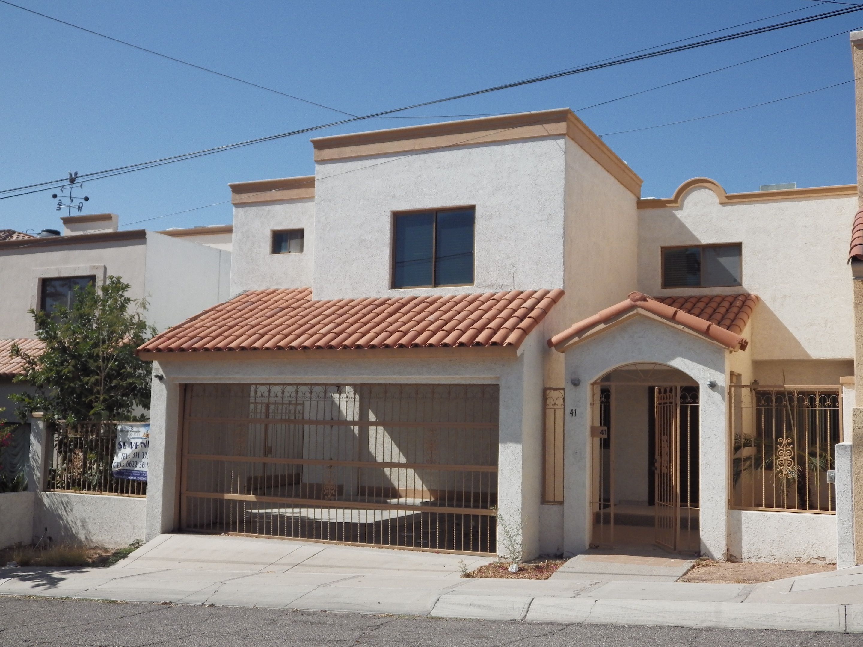 Cocheras on pinterest search tags and html for Casas coloniales interiores