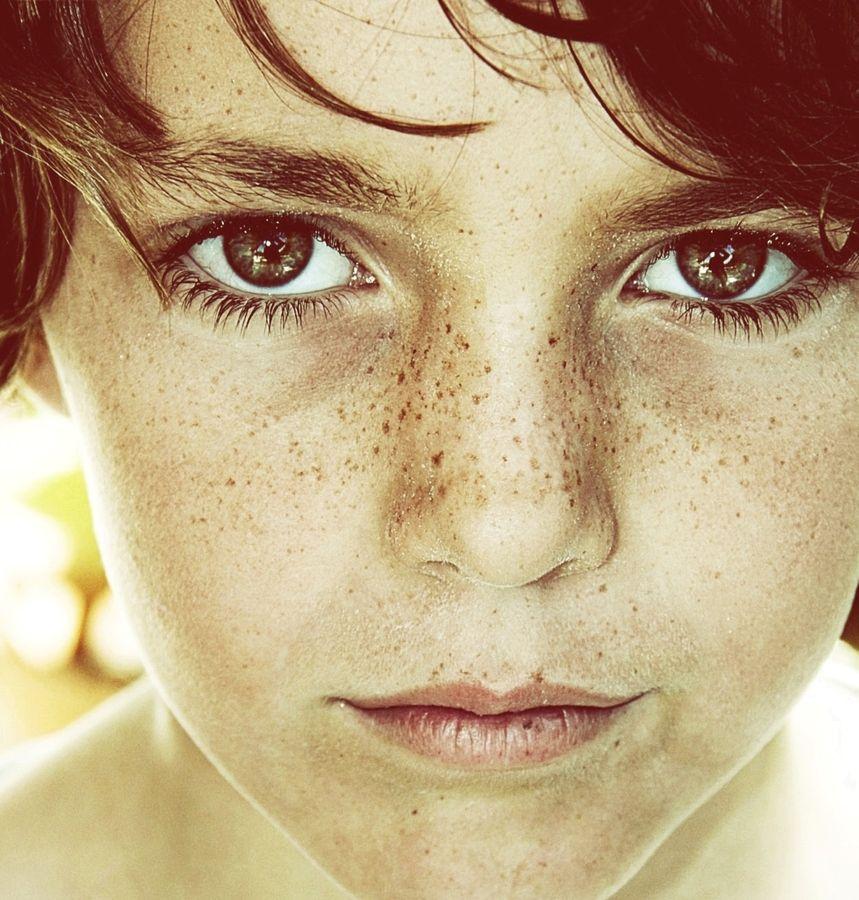 "500px / Photo ""Carrete-323"" by raquel lopez-chicheri  Photography, boy, kid, freckles, freckled, summer, portrait, eyes,"