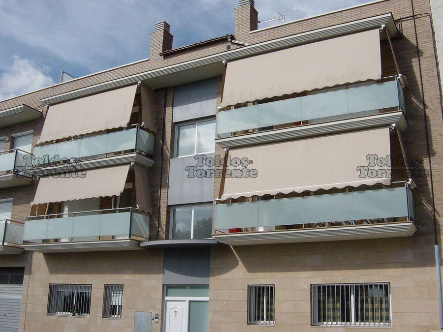 Toldos para balcones de tel n balcones de los for Toldos de balcon