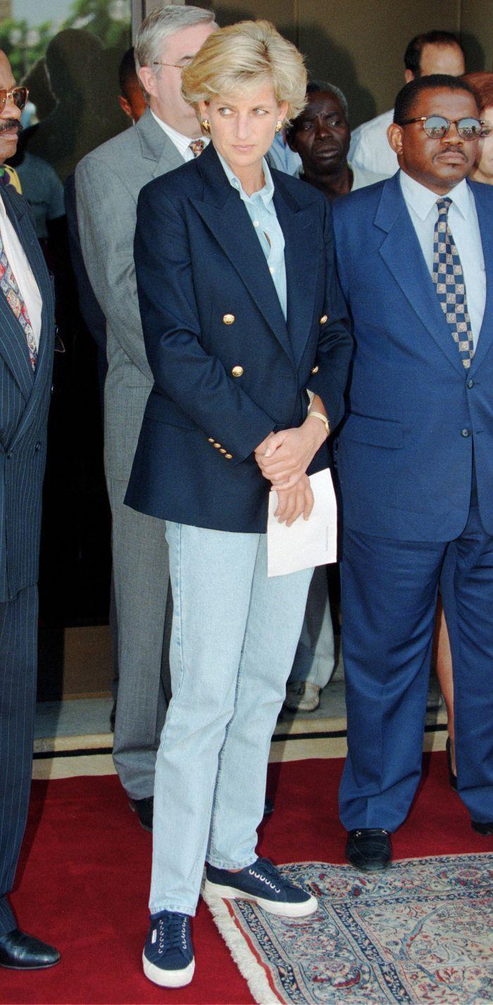 6 Princess Diana Denim Outfit Formulas That Look Cooler Than Ever #princessdiana