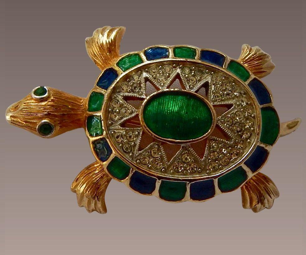 Polcini Turtle Pin