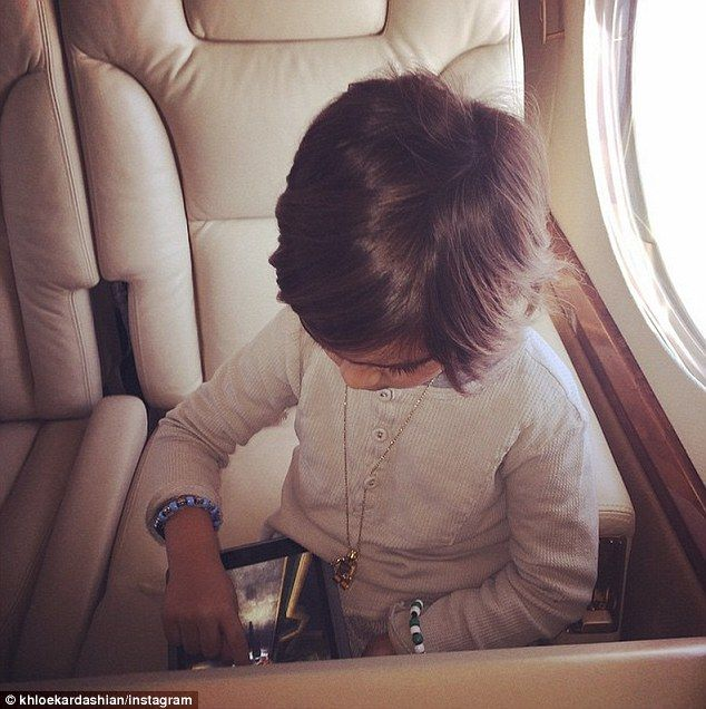 Khloe kardashian shares two birthday cards from family khloe khloe kardashian shares two birthday cards from family m4hsunfo