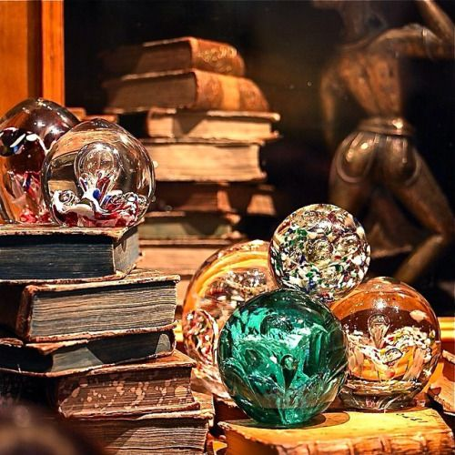 Fortune telling balls  |  Will I get rich at the end of the year?  |  Probably not!                #antikvärlden#rehns #rehnsantik #rehnsantiquesandinteriordesign #tonyandersson #tesaspetz#permyrehed#fortunetellingballs#fortune#interior#interiores#interiorstyle #interiordesign #interiordecor#glass#spå#spådom#interiorcecor#decor#decorating #style#color#colorinspiration