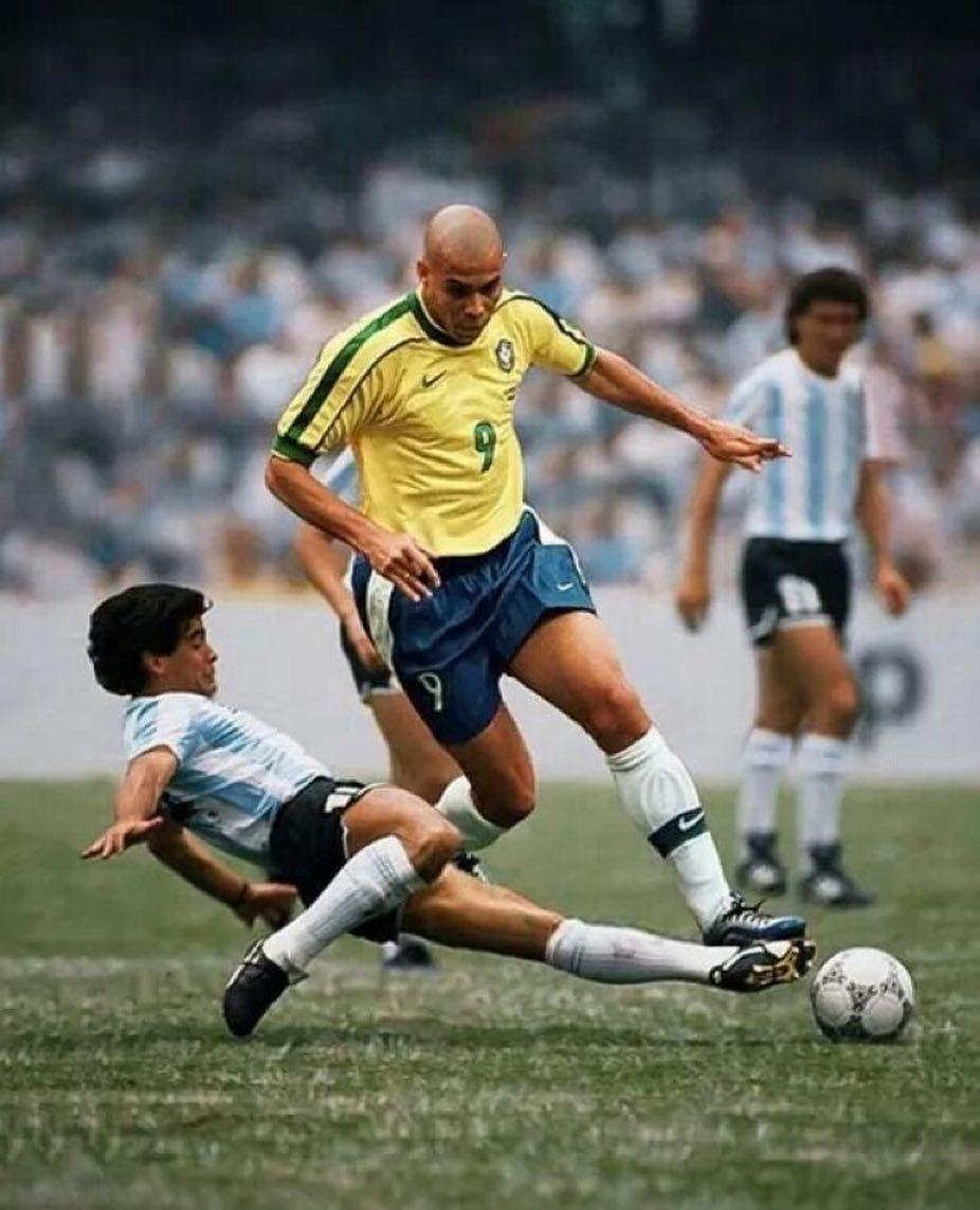 Ronaldo Maradona Futebol Football Soccer Gol Goal Worldcup Championsleague Maradon Ronaldo Fenomeno Selecao Brasileira De Futebol Dicas De Futebol