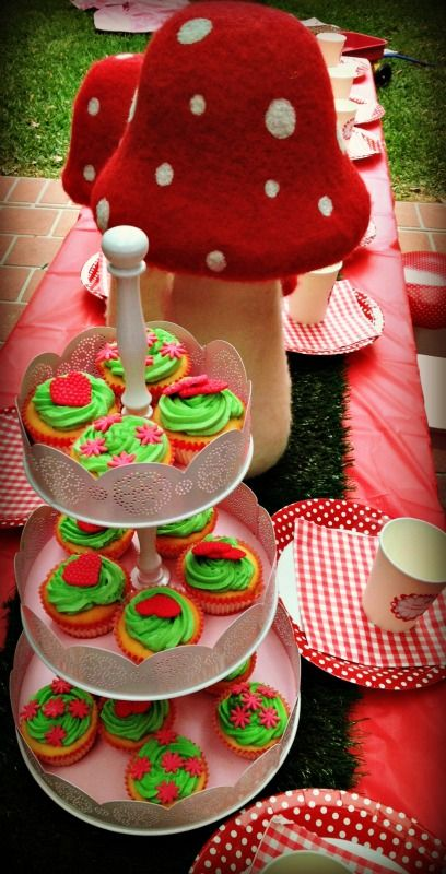 Cute woodlands picnic party table styled by Oh Dear! Kids