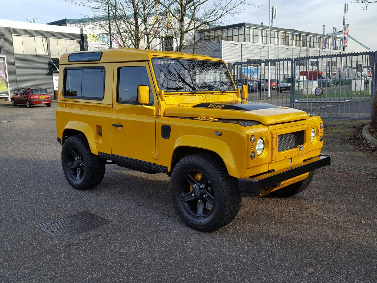 Land rovers 565hp tophat defender 90 ls3 with manual 6 speed t56 magnum upgraded lt230 transfer case