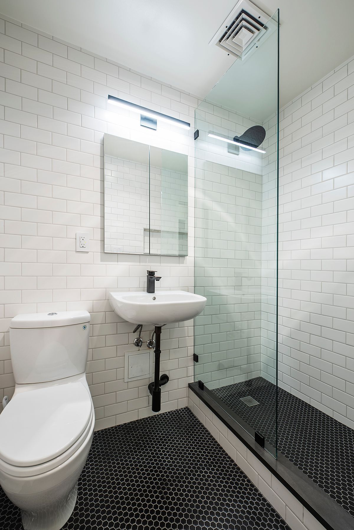 6 Design Tricks For Small Bathrooms Nyc Homeowners Will Love In 2021 Small Bathroom Bathrooms Remodel Kitchen Bathroom Remodel Nyc small bathroom design