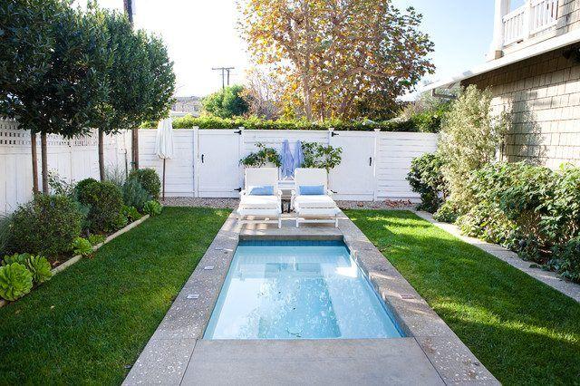 garten schmaler pool bilder kleiner pool sonnenliegen rasen | pool, Garten und Bauen