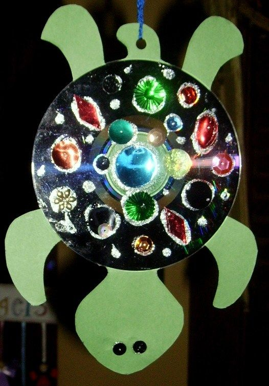 Use Old Cds To Make A Turtle Craft Makerspace In The Library