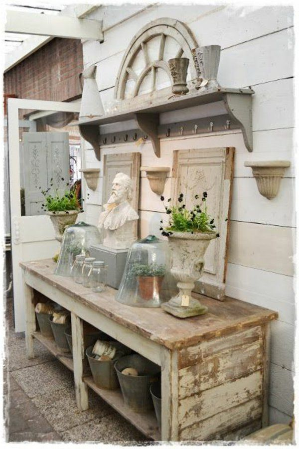 gartenschrank hell shabby chic stil garderobe garten. Black Bedroom Furniture Sets. Home Design Ideas
