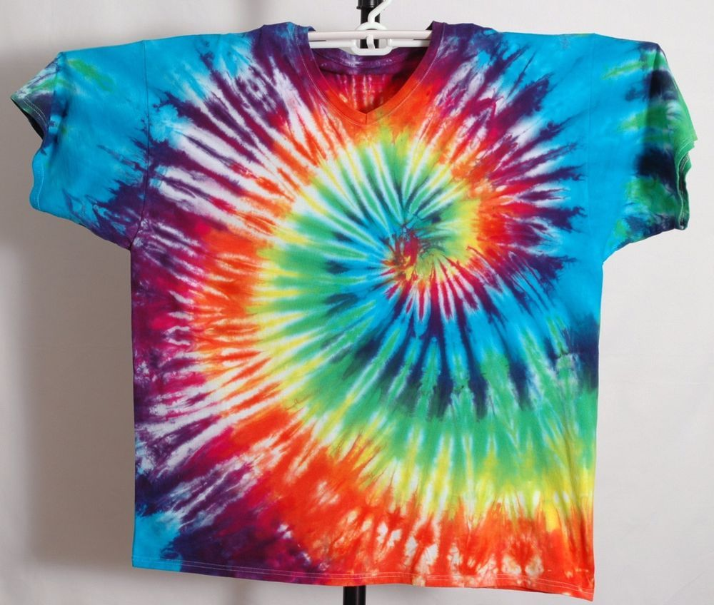 Tie Dye t-shirt Fruit of the Loom v-neck size 3XL and 4XL multi-color #FruitoftheLoom #VNeck