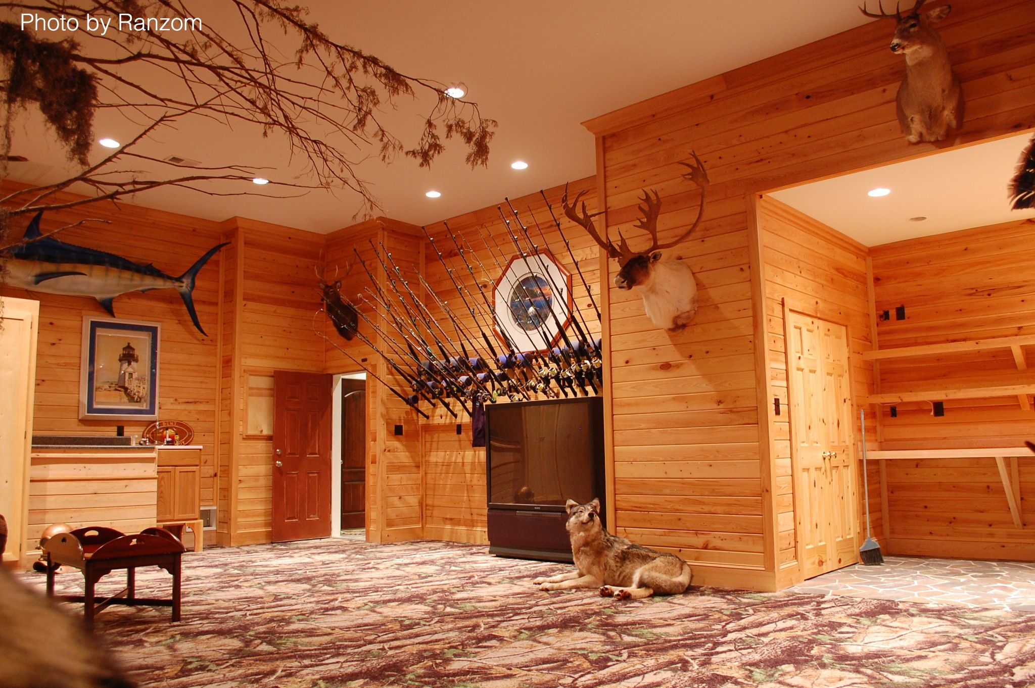 Garage Man Cave Essentials : Must have items for the ultimate man cave men