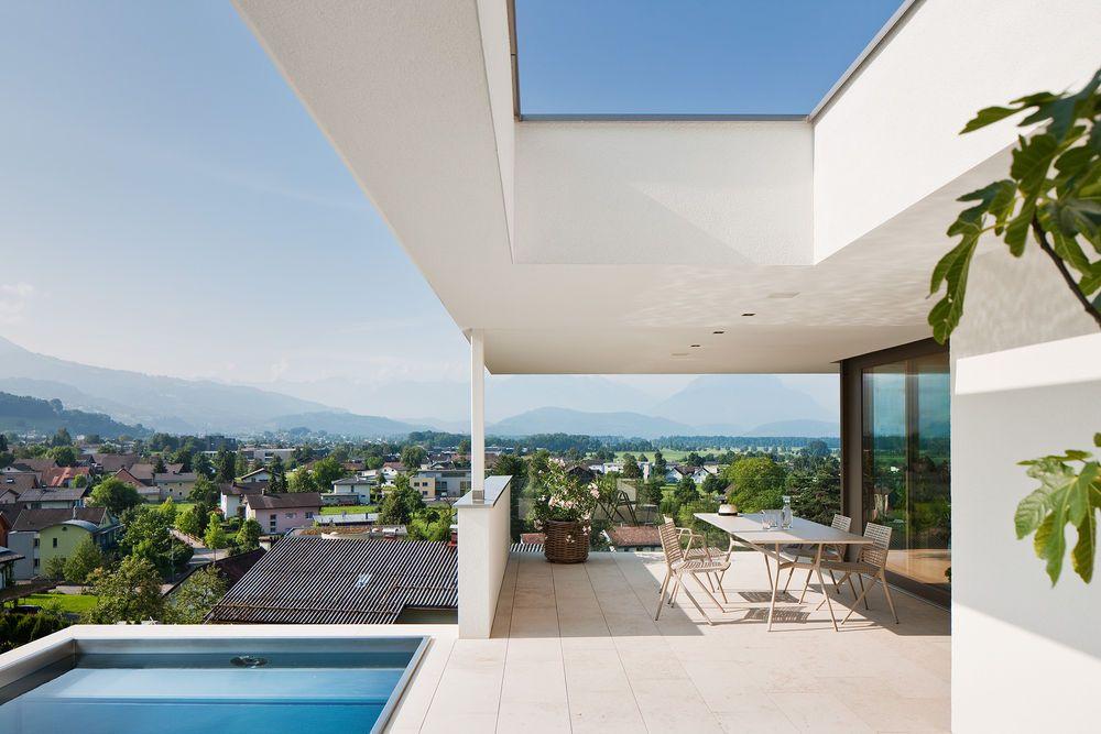 Hanghäuser Modern einfamilienhaus hanghaus klaus modern edelstahlpool luxushaus