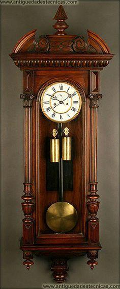 ba64c037de1a Exclusivo Reloj de Pared Vienés en Madera de Nogal