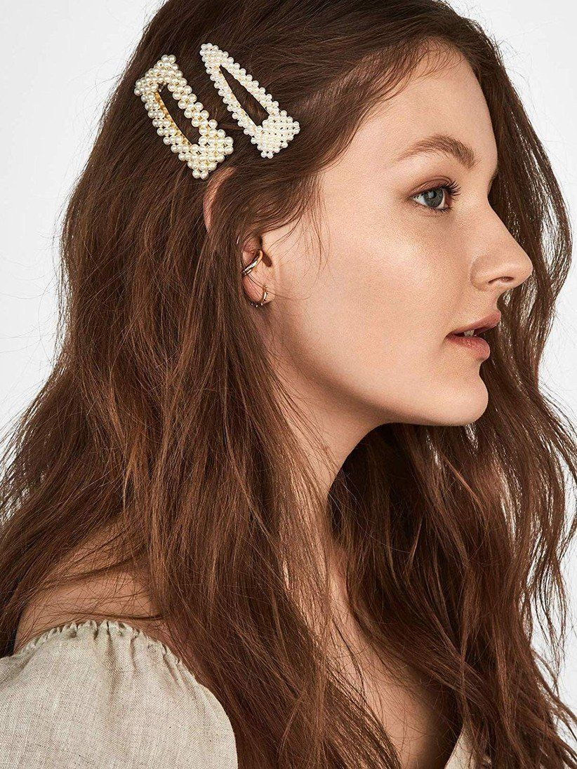 A Glossary Of Wedding Hair Accessories Where To Buy Them Clip Hairstyles Pearl Hair Clip Hair Clips