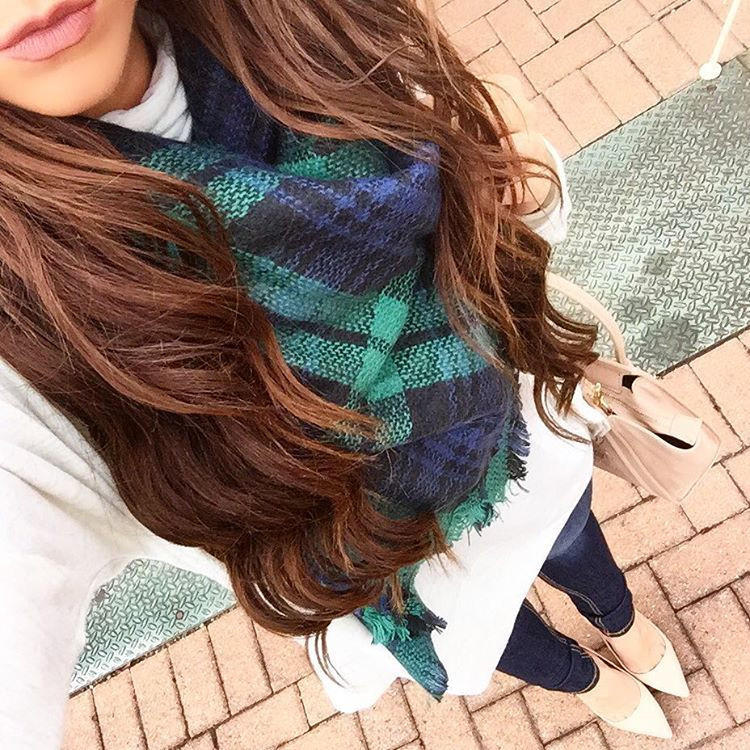 """Cozied up in one of my fave blanket scarves. And it's only $16! Ps. My curling wand is on flash sale right now for $28 (orig. $139!), so it's definitely…"""
